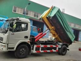 8方勾臂式垃圾车