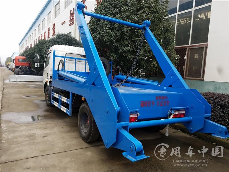 东风6方摆臂垃圾车图片