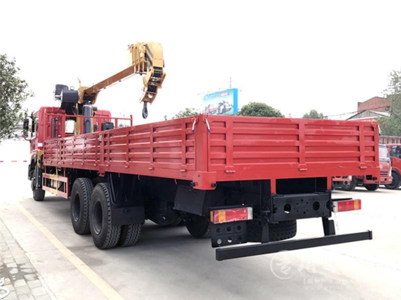 宏宇徐工东风T5 12吨随车吊