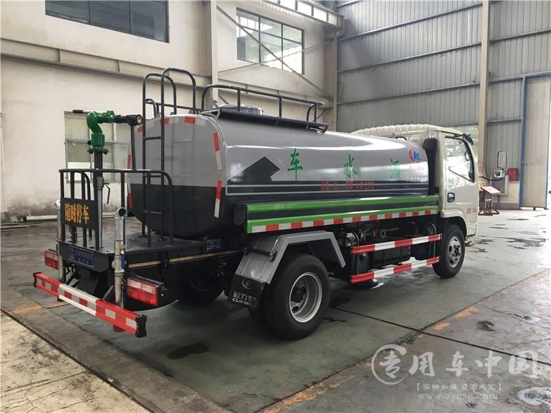 6吨东风洒水车图片