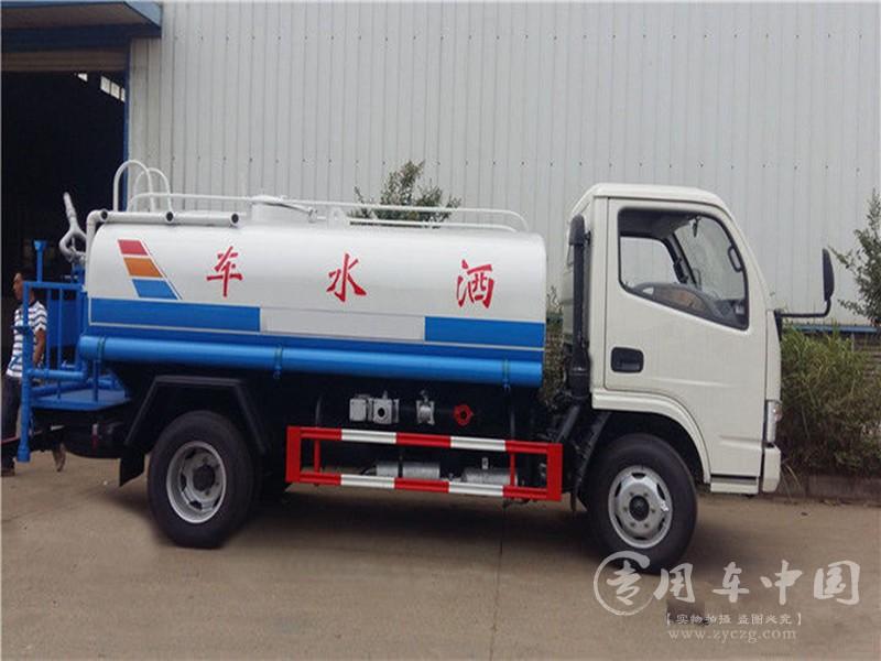 东风小型洒水车图片