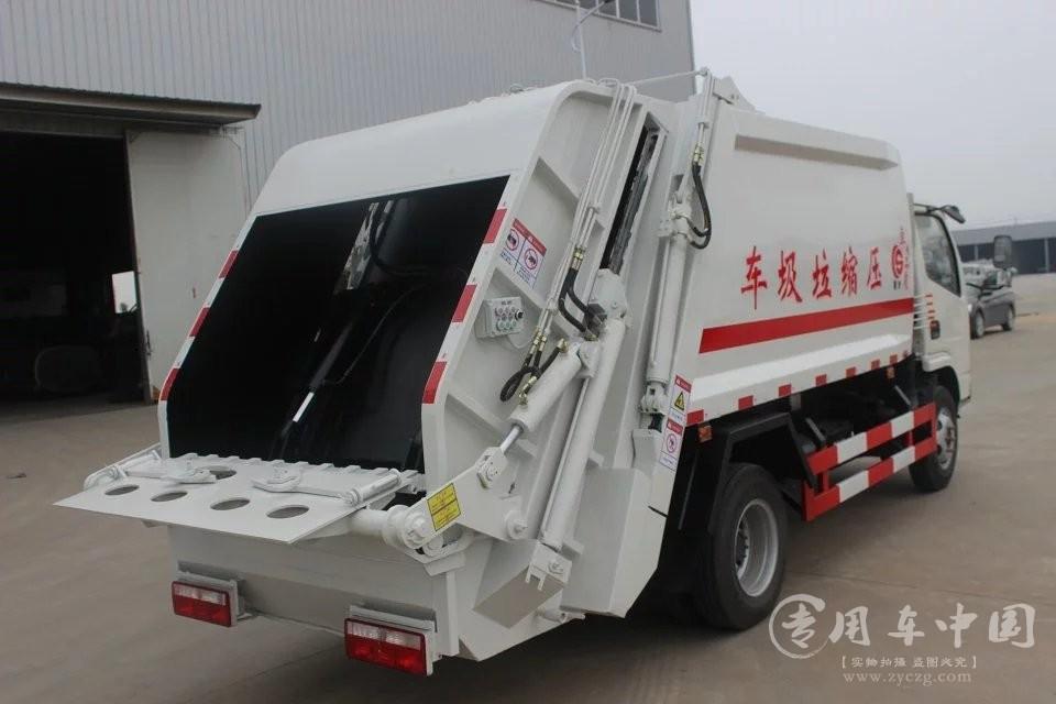 东风4方压缩式垃圾车