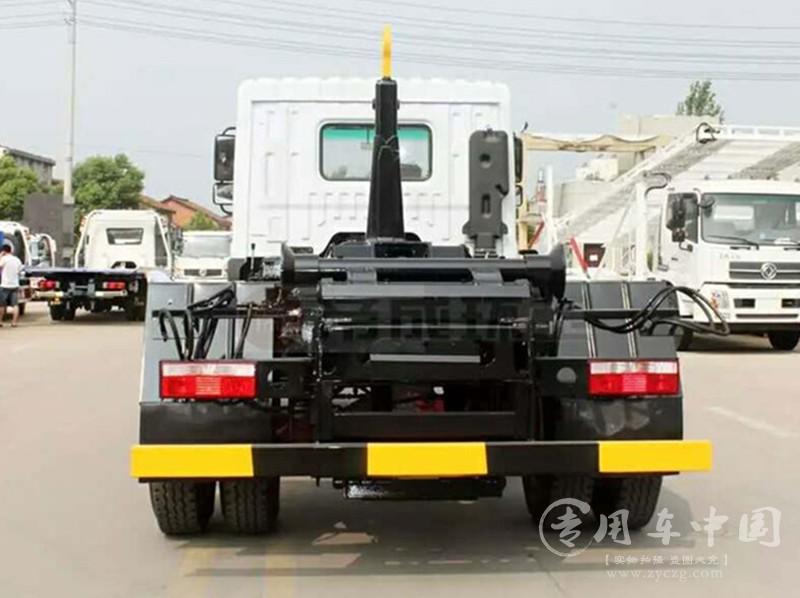 程力东风专底12方勾臂式垃圾车
