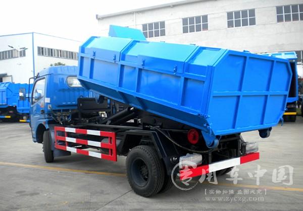 程力东风多利卡6方勾臂式垃圾车