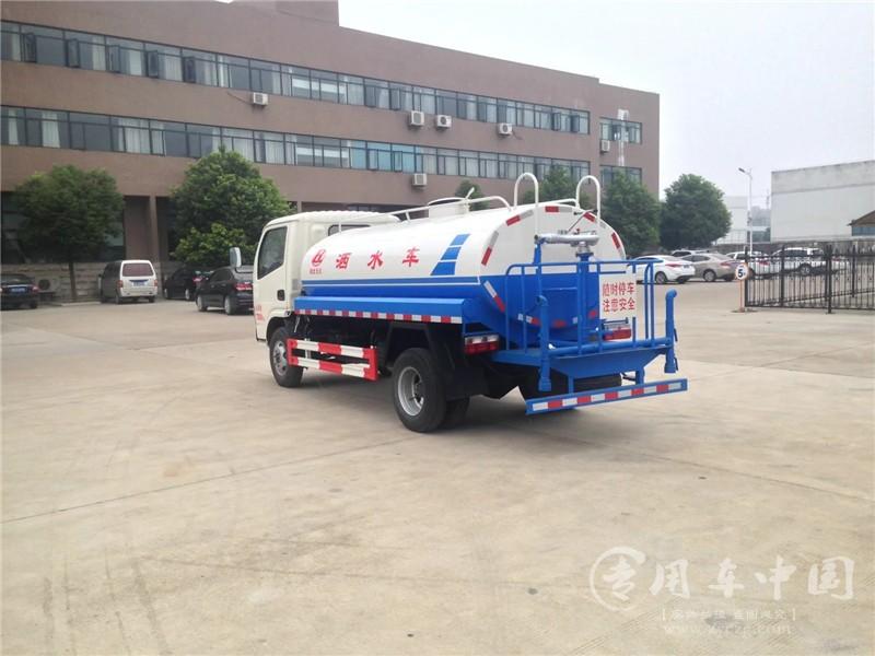 程力东风福瑞卡5方洒水车