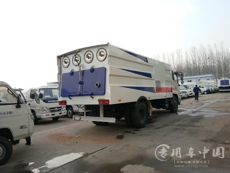 东风天锦大型吸尘车图片