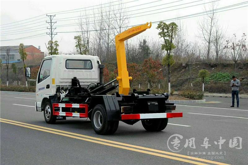 程力凯马4方勾臂式垃圾车