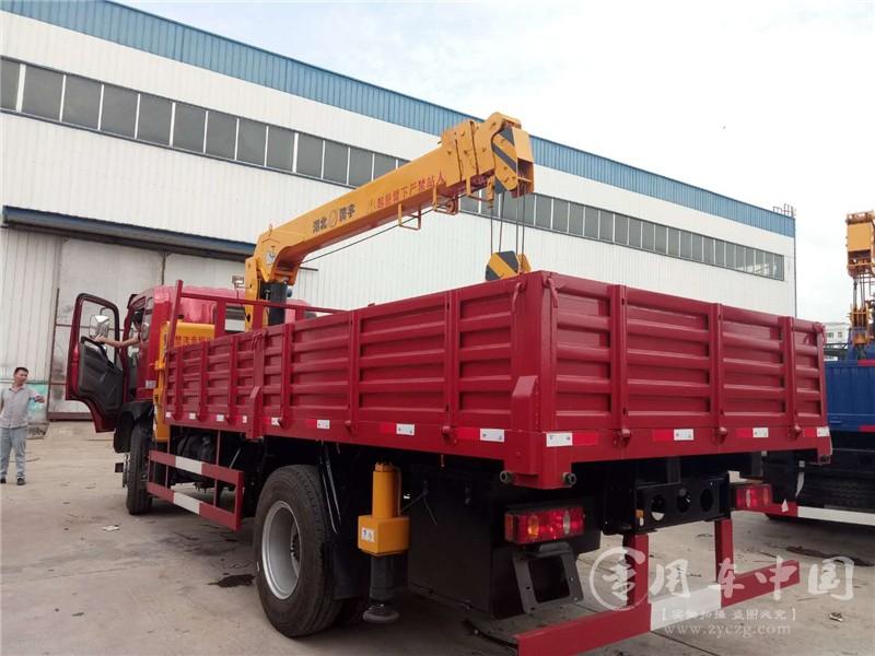 大运运途6.3吨随车吊图片