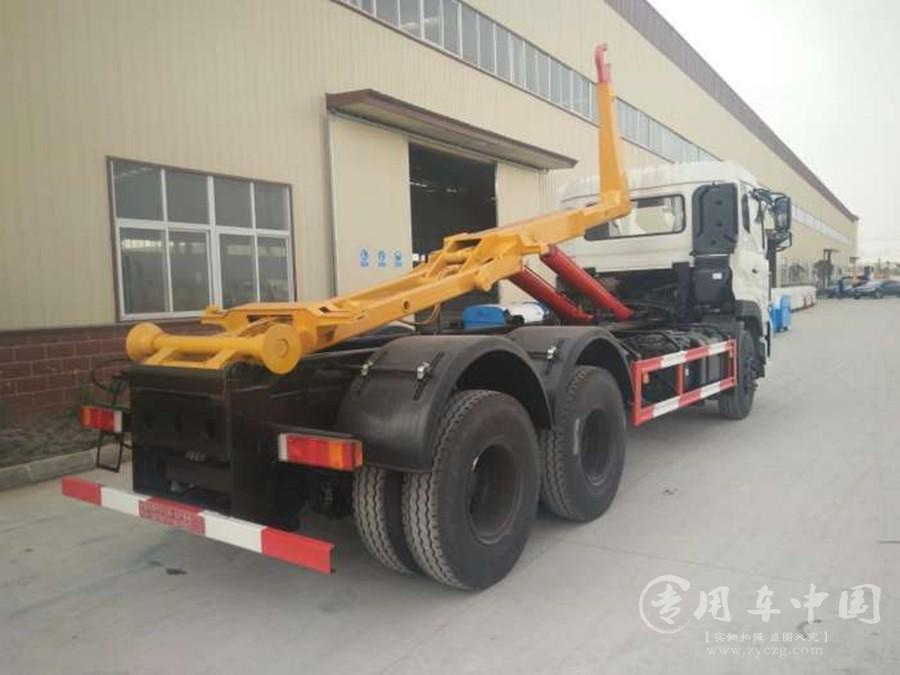 程力东风天龙18方勾臂式垃圾车