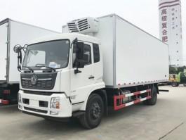 新款东风天锦7.6米冷藏车