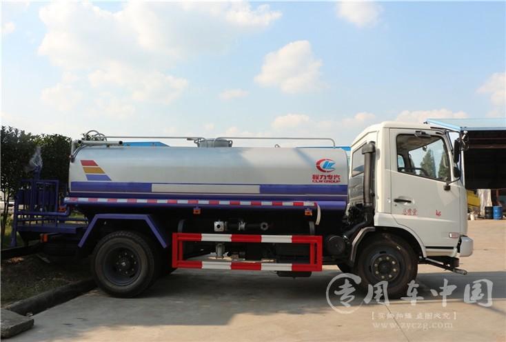 程力东风嘉运国五重汽豪沃10吨洒水车