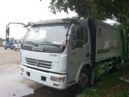 2019最新东风多利卡8方压缩式垃圾车