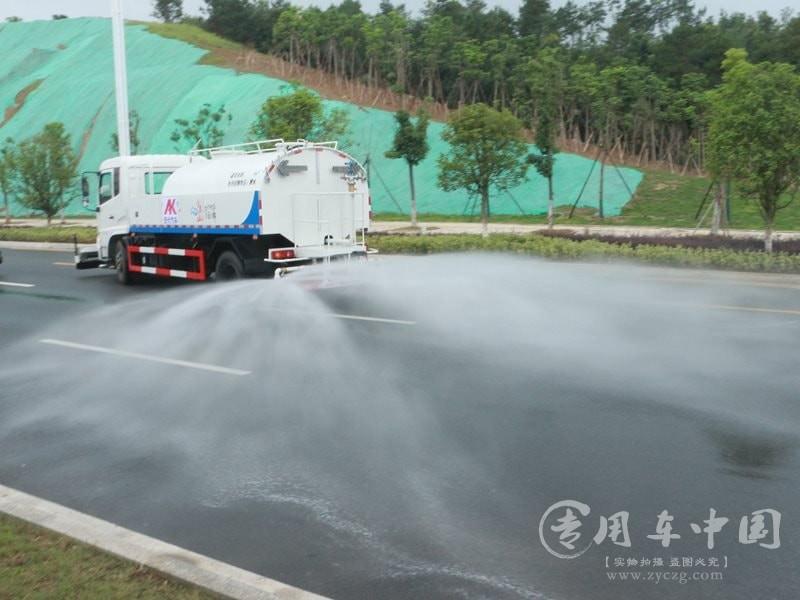 东风天锦10方路面高压清洗车