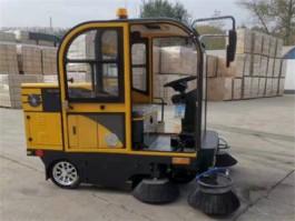 纯电动路面扫地车