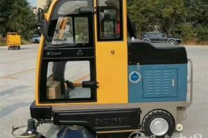纯电动扫路车价格表:¥0.126-12.8万
