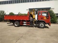 贵州重汽豪曼6.3吨折臂随车吊陈总订购的爱车试车了