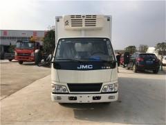 2台江铃顺达小型冷藏车发往重庆