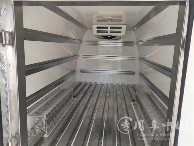 国六长安睿行面包冷藏车发车
