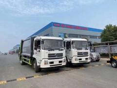 东风天锦10吨压缩式垃圾车发往河南南阳