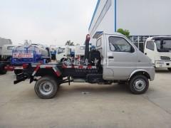 小型环卫垃圾车助力乡村绿化建设