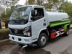 5吨东风洒水车