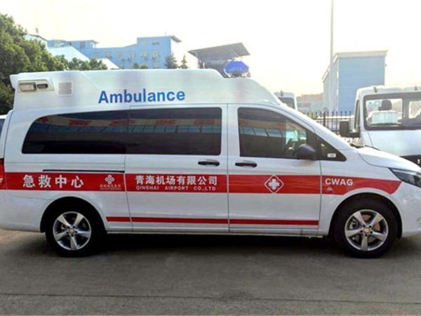 医疗奔驰救护车