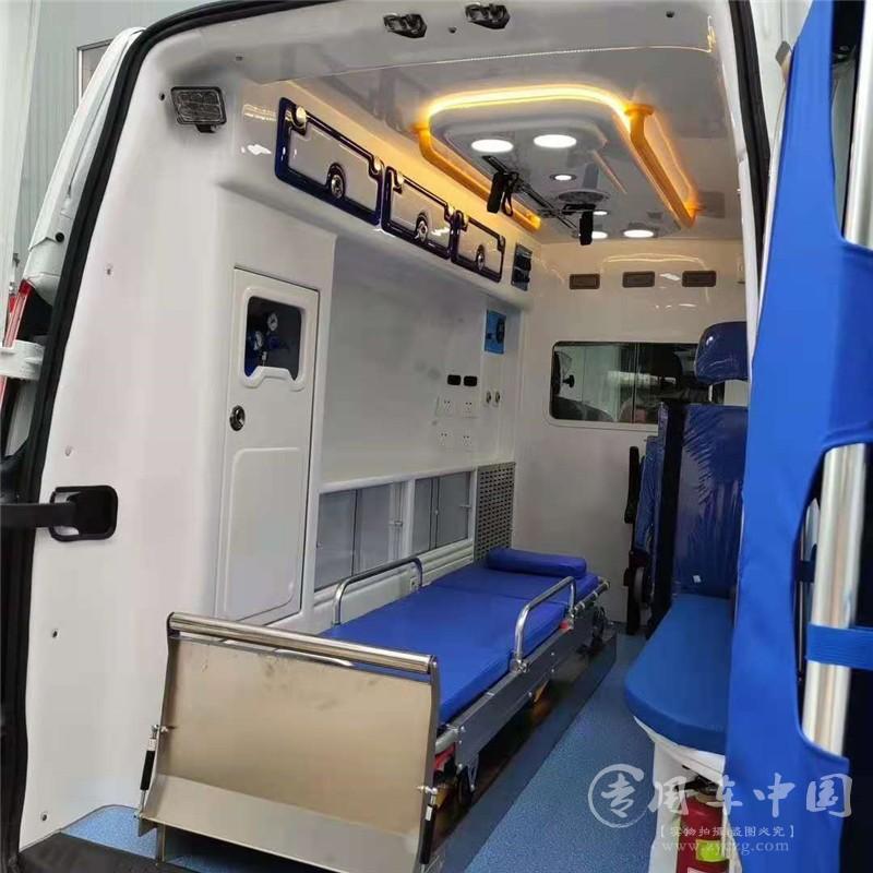 监护型福特全顺救护车图片