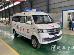 搭载丰田2.4L汽油发动机的金杯海狮救护车评测