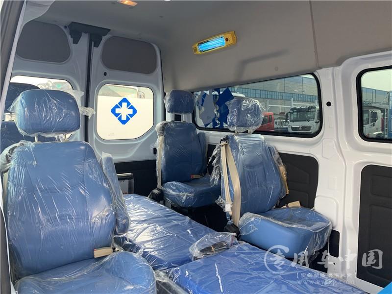 医疗福特全顺救护车图片