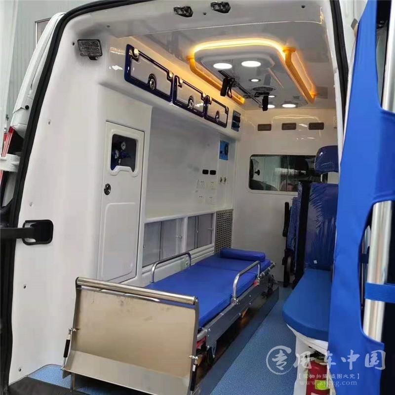 福特全顺监护型救护车图片5