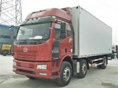 解放J6L前四后四8.7米冷藏车发车了|小三轴冷藏车顺利提车