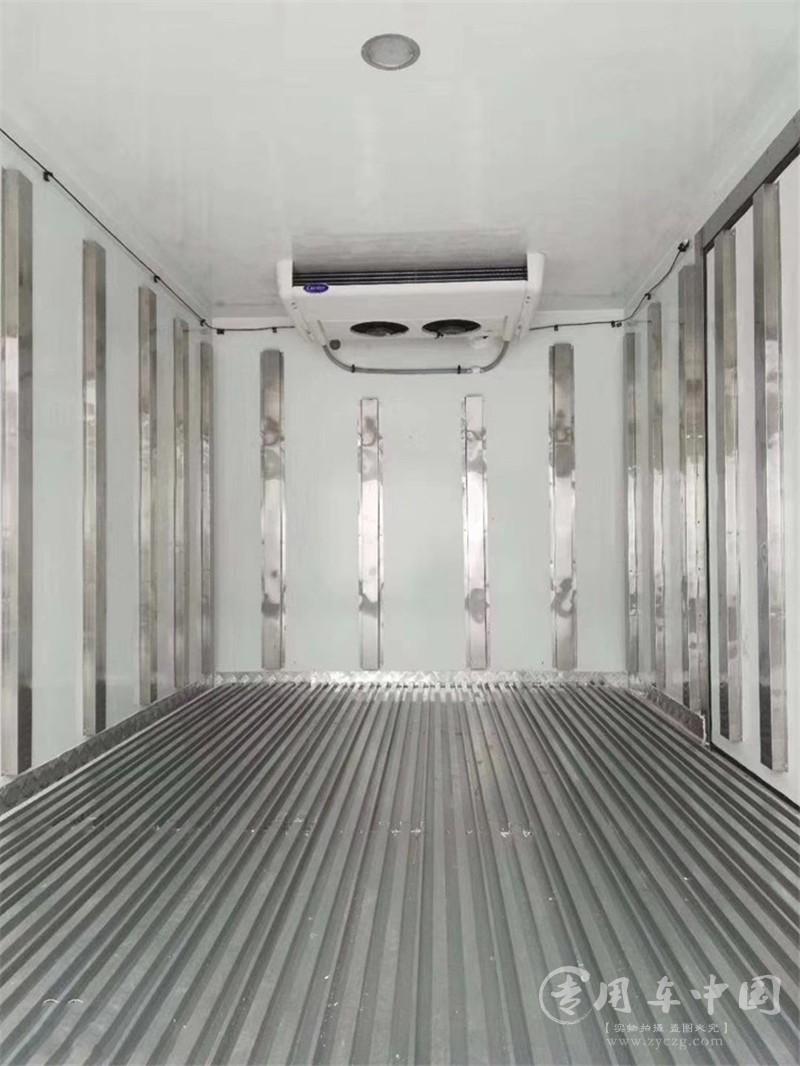 东风天龙前四后四9.6米大型冷藏车图片4