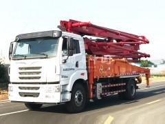 一汽解放33米混凝土泵车成功收车 混凝土泵车提车成功