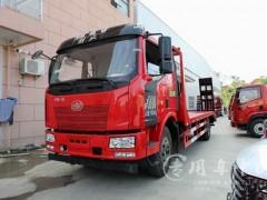 可运输15吨挖掘机的解放J6平板车价格配置