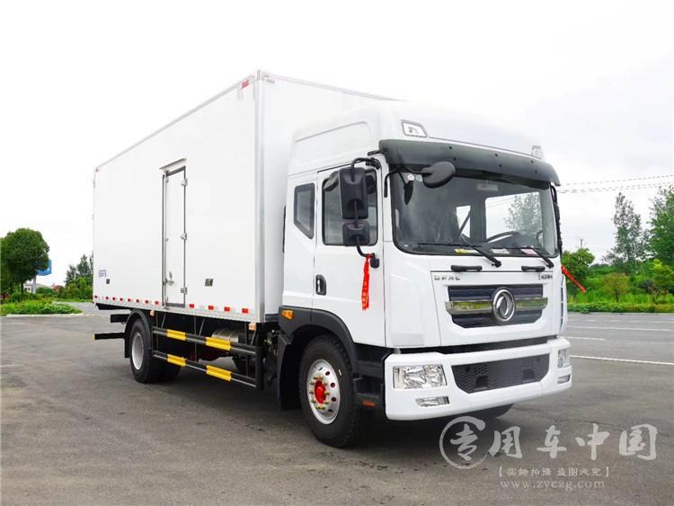 国六东风D9 220马力6.8米冷藏车