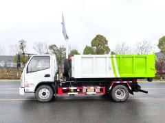 可拉十吨垃圾的蓝牌可卸式垃圾车