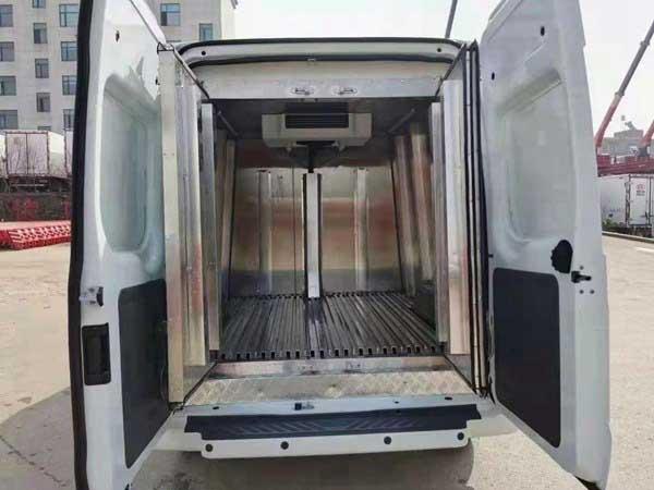 福特新时代全顺V348疫苗冷藏车