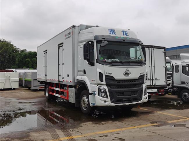 东风柳汽乘龙H5 245马力6.8米冷藏车