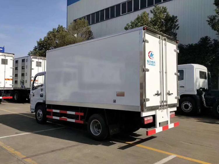 国六东风小多利卡4.2米冷藏车