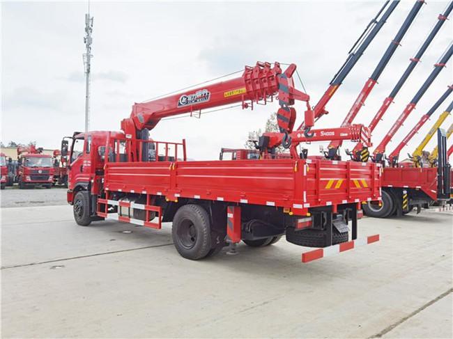 国六6.3吨东风随车吊图片