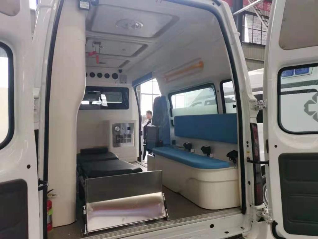 348福特救护车