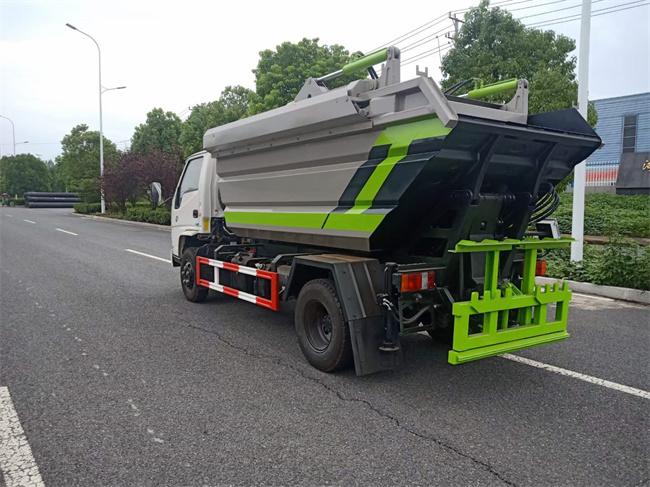 江铃6方小型环卫垃圾车